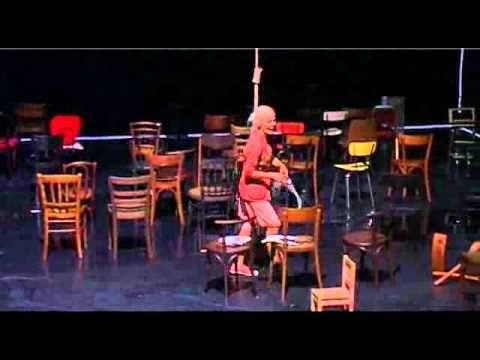 Les Chaises d'Eugène Ionesco, mise en scène de Luc Bondy, avec Micha Lescot, Dominique Reymond et Roch Leibovici Théâtre de Cornouaille VE 08 et SA 09 AVRIL ...