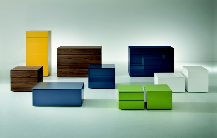 Drawers in yellow, green, white, blue, oak and different sizes