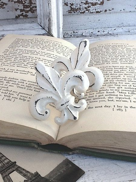 248 best Fleur De Lis images on Pinterest | Fleur de lis, Lily and ...