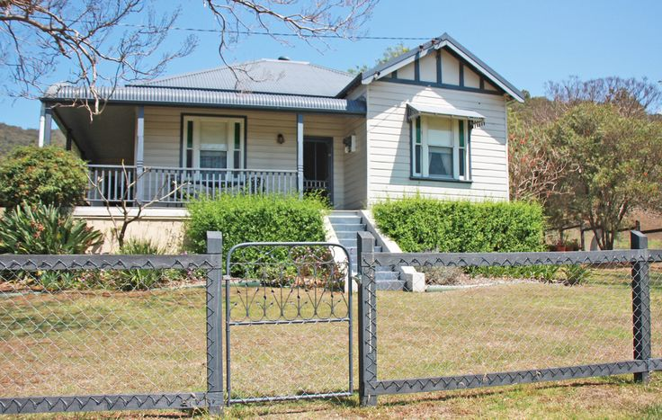 Old Hillside Homestead Located in the Heart of Wine Country, Pokolbin NSW