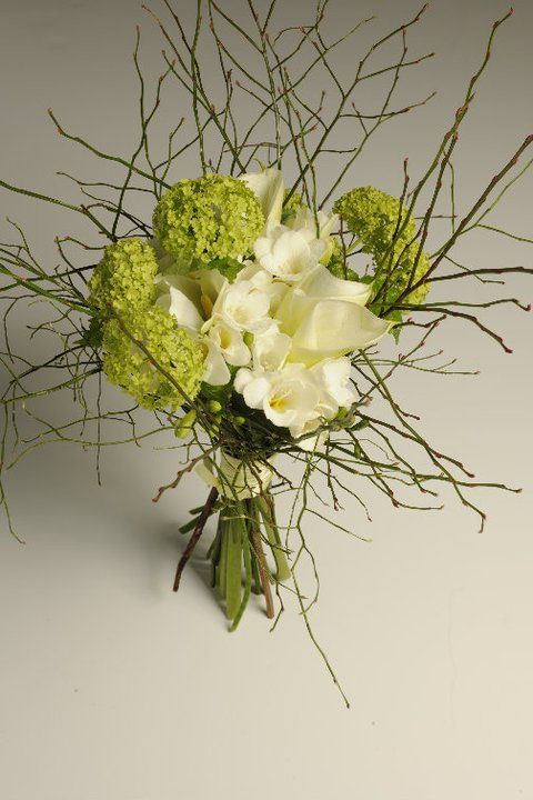 Calla lily and viburnum bouquet by ROSMARINO / Kytice z kal