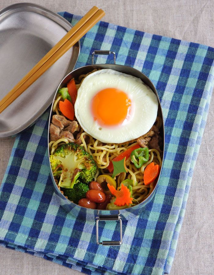 Stir-fried noodles bento/焼きそば弁当