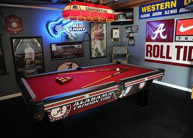 Alabama Crimson Tide pool table - Man Cave