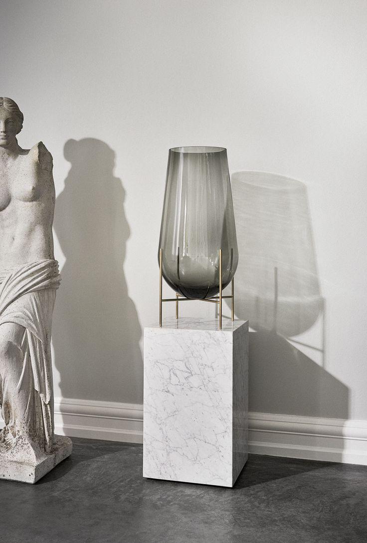 MENU Plinth Marble, MENU Echasse Vase