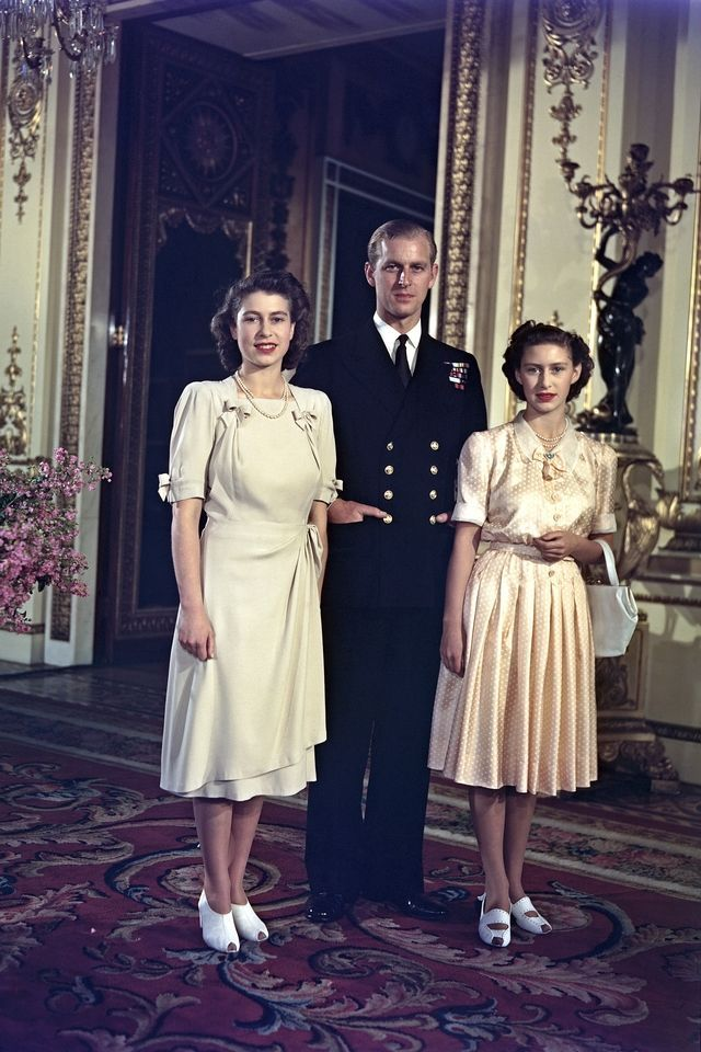 In photos queen elizabeth princess margaret before the - Images princesse ...