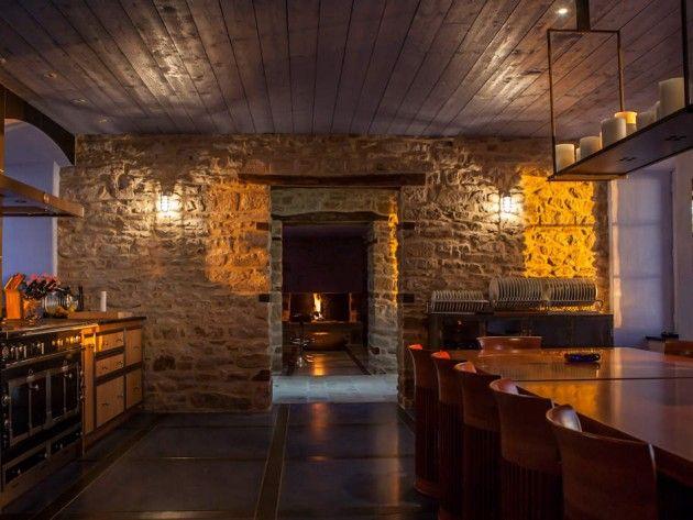 cuisine avec mur en pierres apparentes et lumi re traversante luminaires pinterest cuisine. Black Bedroom Furniture Sets. Home Design Ideas