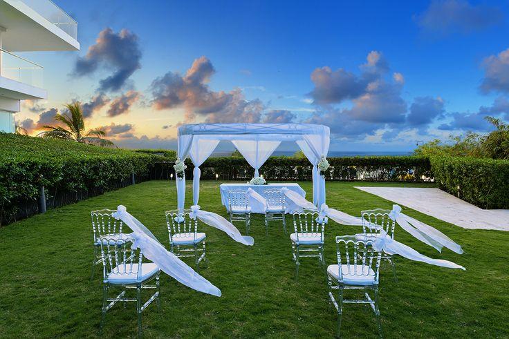 Montaje en el Jardín para celebración de Boda, Boda, Luna de Miel o Aniversario #Wedding #Boda #LunadeMiel #HoneyMoon #Eventos #Hotel #HolidayInn #Cartagena Reservas: reservations.ctghi@ihg.com