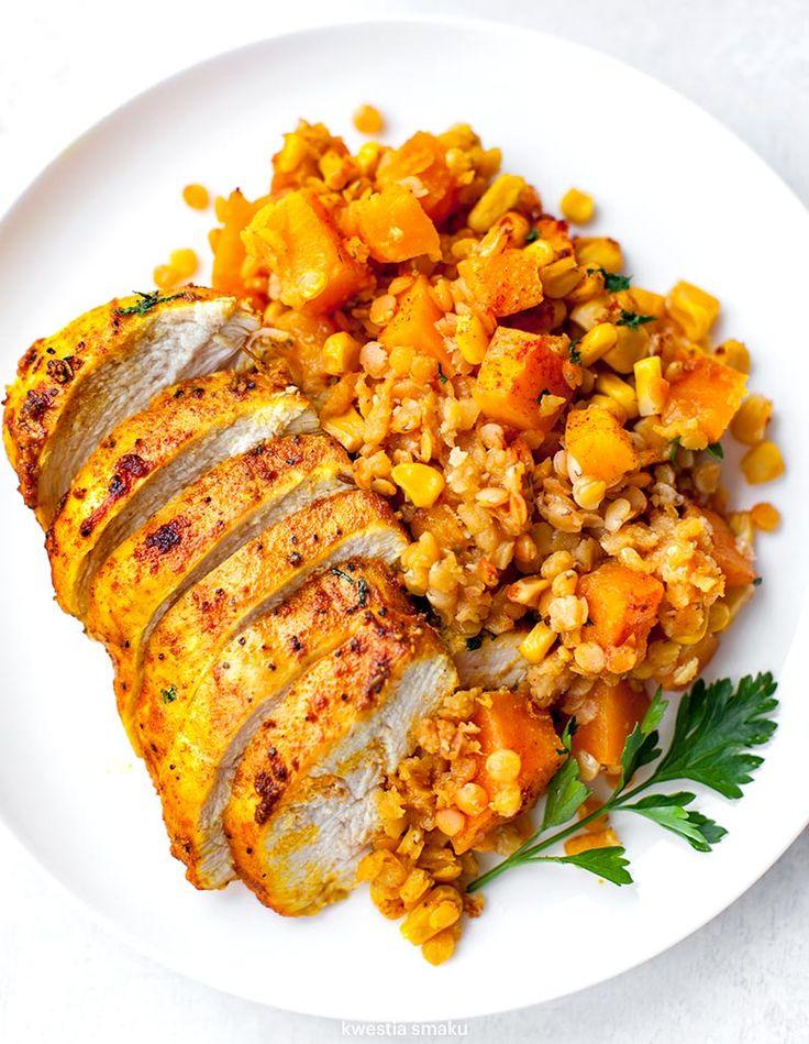 Kurczak zapiekany z dynią, soczewicą i kukurydzą