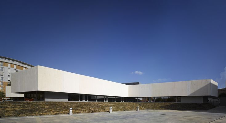 Gallery of Eastern District of Seville Police Station / Paredes Pedrosa - 3