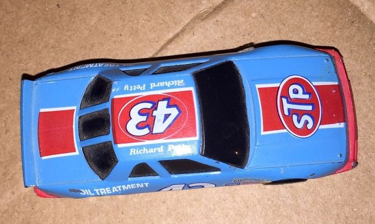 RICHARD PETTY 43 STOCK CAR DIECAST NASCAR TOY STP RACING CHAMPIONS PONTIAC 1:64 #RacingChampions #Pontiac
