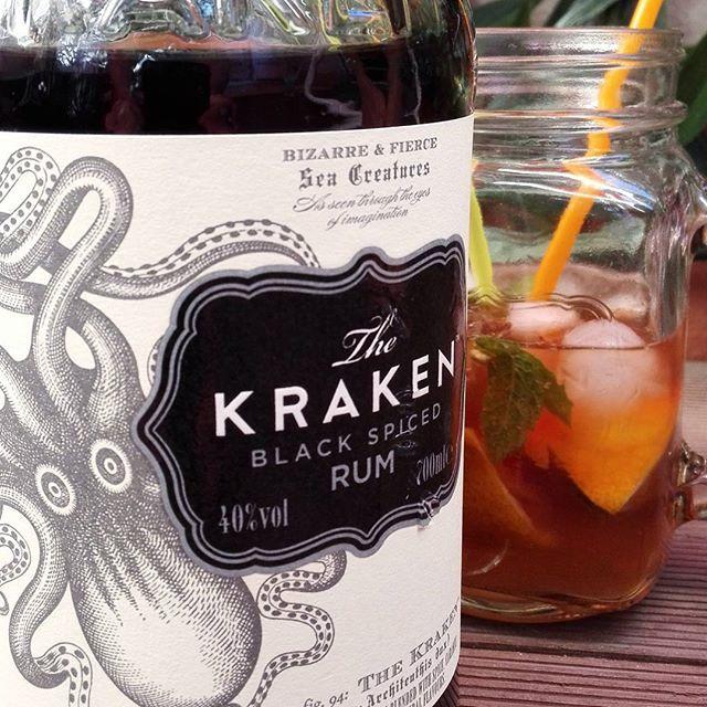Black mojito  #kraken #cocktail #cocktails #mojito #rum #mint #lemon #drink #drinking #alcohol #alcool #avecmodération #picoftheday #instamasculin @krakenrum @krakenrum_fr