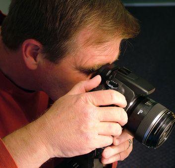 Cómo ajustar la apertura para un fondo borroso utilizando una cámara réflex digital | eHow en Español