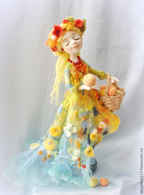 """Купить Авторская кукла из шерсти """"Яблочное лето"""" - желтый, кукла ручной работы, лето"""