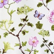 Un Bisou - Skinnende cremefarvet tapet med blomster og sommerfugle.