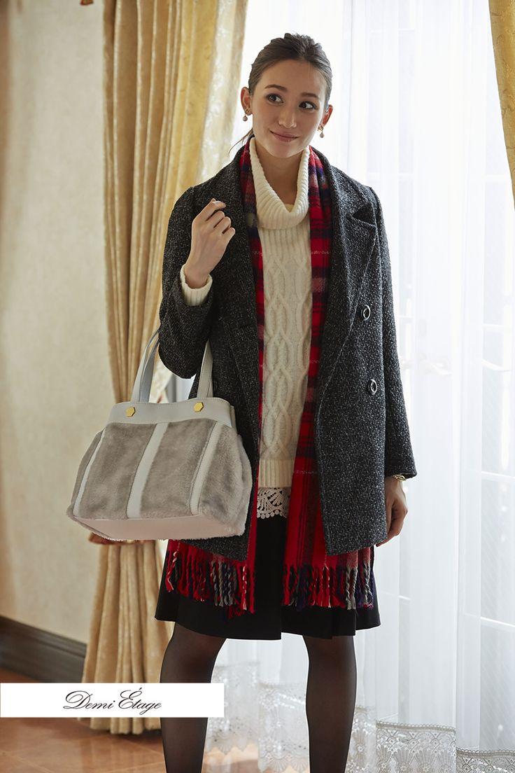 流行りのハイネックニットに女性らしいスカートをプラス♪ #maria_coordinate #大人可愛い #demi_etage #ドゥミエタージュ #ケーブルニット #ハイネック #red #チェック柄 #冬コーデ #ootd #fashion #もこもこ