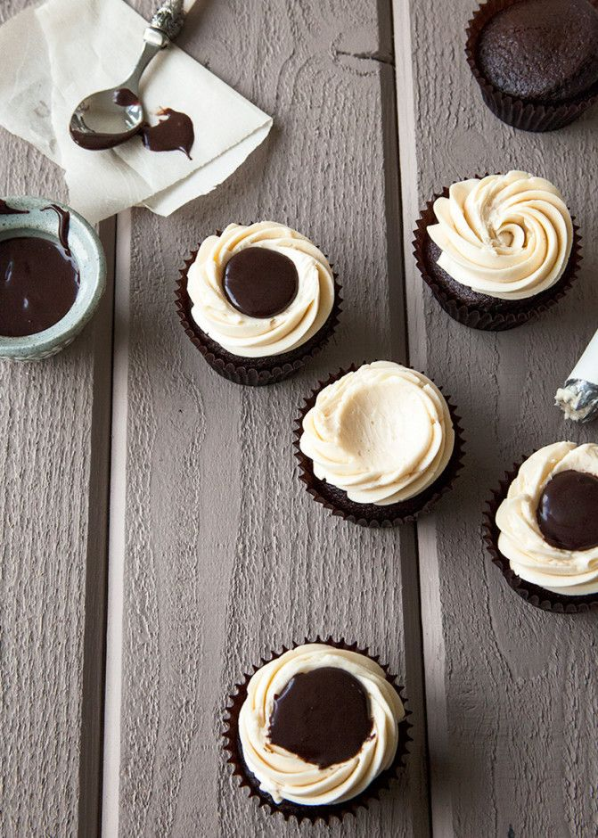Black & White Russian Cupcakes - Style Sweet CA