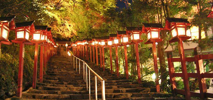 貴船神社(京都)|おけいはん、紅葉に恋をした(2012年)|おすすめ!|沿線おでかけ情報(おけいはん.ねっと)|京阪電気鉄道株式会社