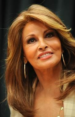 Holy crap Raquel Welch looks good for 71...this pic is 2 years old when she was 69...holy schmoly....