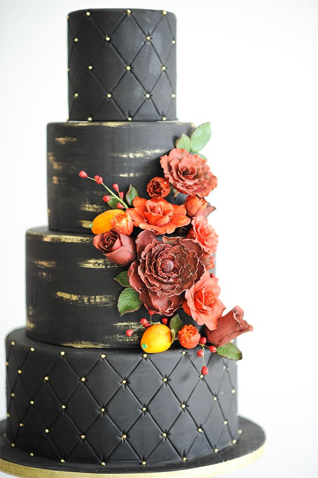Black Wedding Cakes | McCune Photography | Sweet Traders | Fall Inspired Wedding Cakes