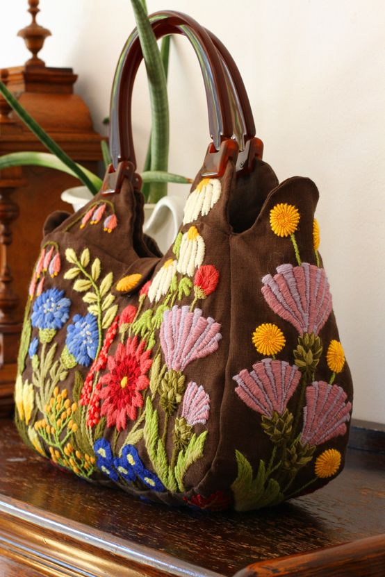 Crewel Embroidery Bag ~governess~