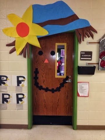 cute halloween classroom door decorating ideas with wood door - Cute Halloween Door Decorating Ideas