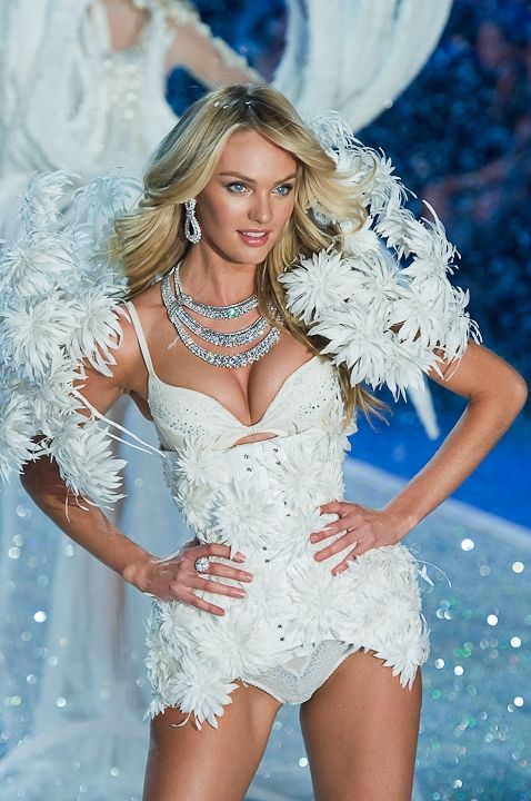 Candice Swanepoel, 2013 Victoria's Secret Fashion Show