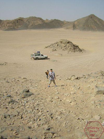 Climbing a hot desert cligg