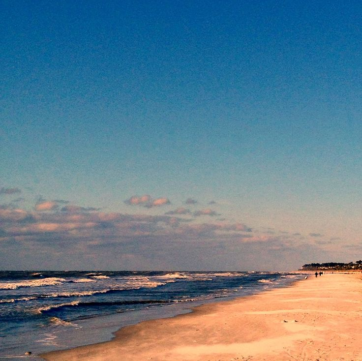 Stroll along the beach on Hilton Head Island #MarriottsSurfWatch #vacation