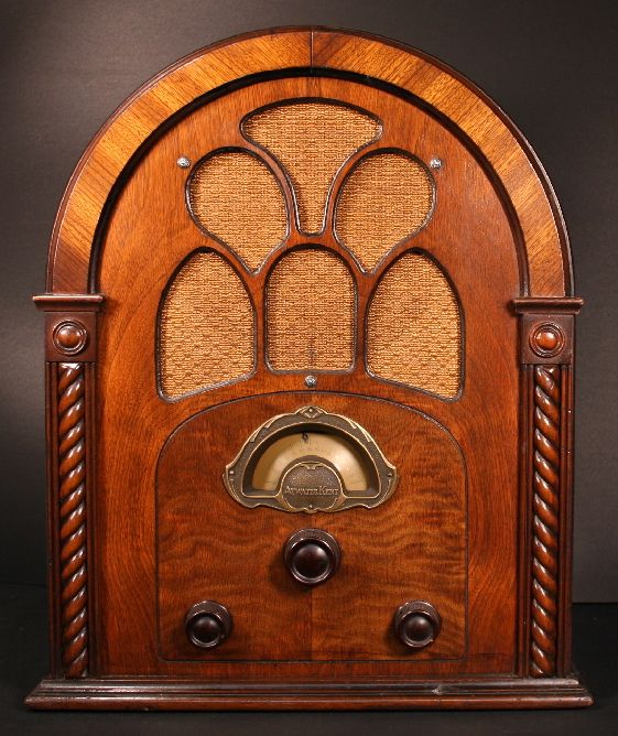Atwater Kent Model 80 Cathedral Radio (1931) Integrate with Bluetooth!