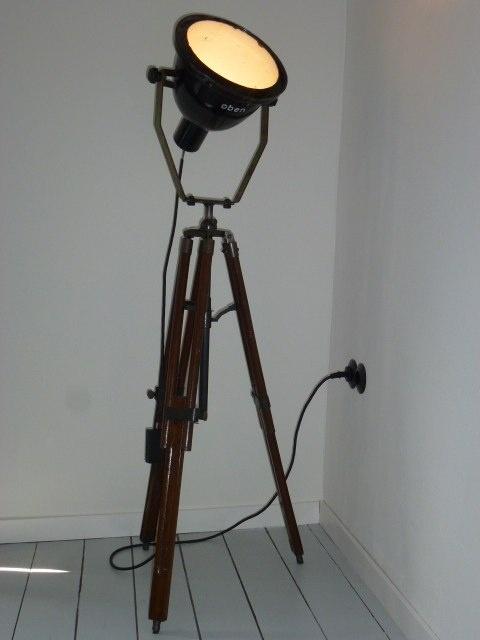 74 best images about voor bastiaan industrieel on for Industriele staande lamp