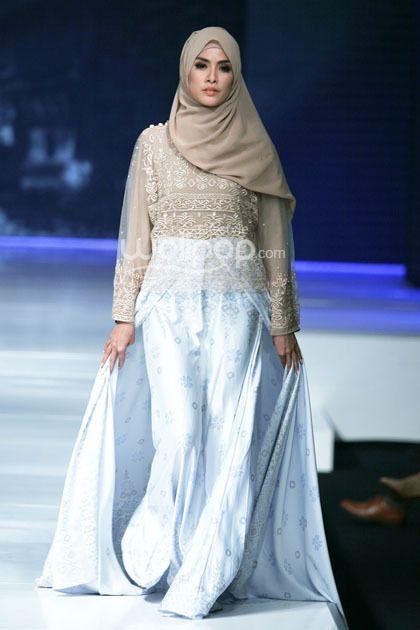 """Gadih"" by Ria Miranda, Jakarta Fashion & Food Festival 2014"