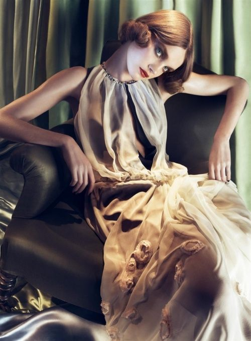 Natalia Vodianova. Photo: Steven Meisel for Vogue Italia, May 2008 ('Dinner at Eight'). #TamaradeLempicka