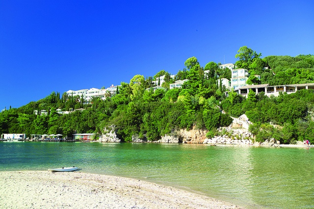 Sivota The Retreat, Greece Fantastic waterskiing and wakeboarding Excellent for tennis Great Fitness programme NEW for 2012 - Road Bikes Triathlon training camp Amazing views Champagne and sunset yacht cruise Stunning coastline to explore Wide range of inclusive activities