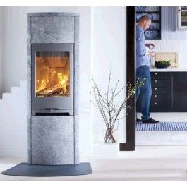 De #Contura 790T is een vrijstaande #houtkachel die voorzien is van de vernieuwde verbrandingstechniek. #Houthaard #Kampen #Fireplace #Fireplaces #Interieur #Kachelplaats