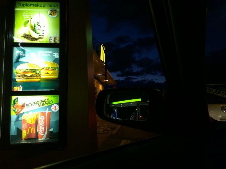 Finnish McDonald's drive thru. Lumia 1020 image by Auvo Veteläinen