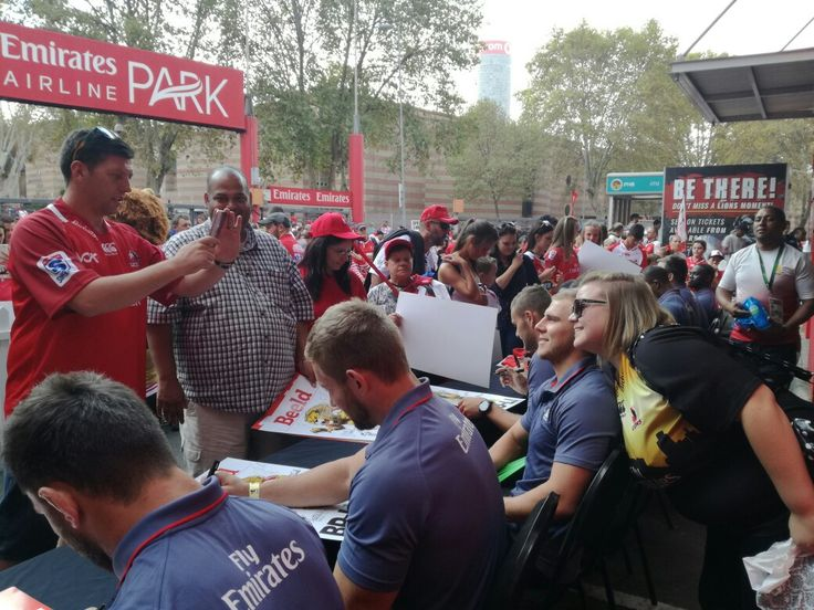 Thank you to all the fans who came out to our pre-match signing session - we absolutely love meeting you!  #LeyaTheLion #Liontainment #Lions4Life #BeThere #MyLionsMoment #LIOvSHA