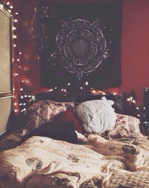 Can we stop calling this a hipster bedroom? I mean it looks cozy and amazing.