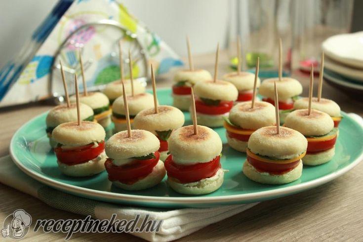 Kipróbált Színes partyfalatok recept egyenesen a Receptneked.hu gyűjteményéből. Küldte: Mrs.Lipton