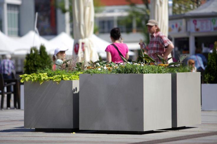 Nie taki beton straszny… | Inspirowani Naturą I modern concrete flower pots for cities terraform.pl