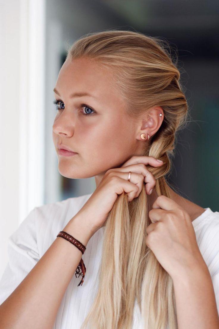 READY FOR SCHOOL WITH HVISK #hvisk #jewelry #gold #rose #beautiful #girl #model #photography #natural #light #blonde #blue #eyes
