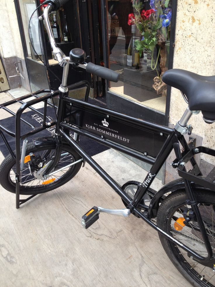 Old style delivery bike