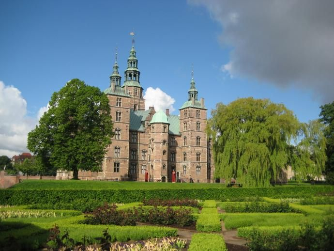 Rosenborg Castle (Rosenborg Slot) is a renaissance castle located in Copenhagen, Denmark. The castle was originally built as a country summerhouse in 1606 and is an example of Christian IV's many architectural projects. It was built in the Dutch Renaissance style, typical of Danish buildings during this period, and has been expanded several times, finally evolving into its present condition by the year 1624.