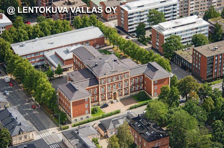 Hämeenlinnan lyseo Ilmakuva: Lentokuva Vallas Oy
