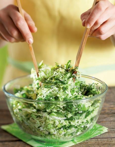 Kesäinen kaalisalaatti | Salaatit | Pirkka
