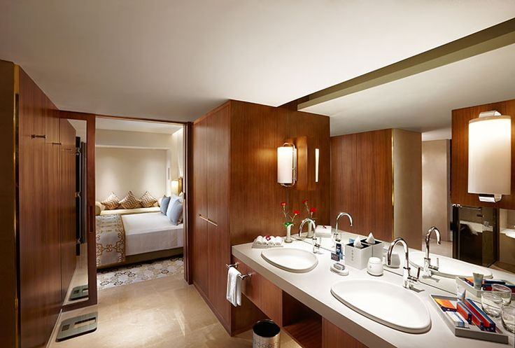 Towers Suite Bathroom