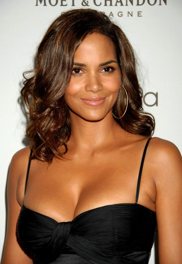 Halle Berry Hot - If you'd like more of this visit www.styleopath.com & for a chance to win £200 worth of luxury afro hair products.