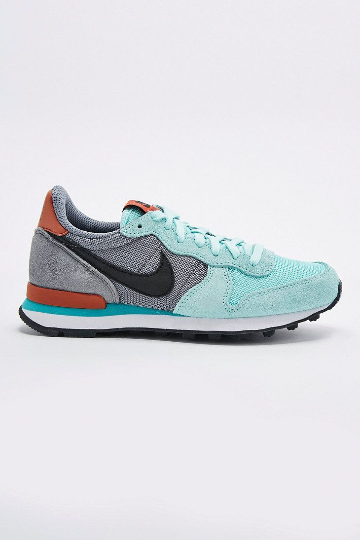 nike internationalist mint