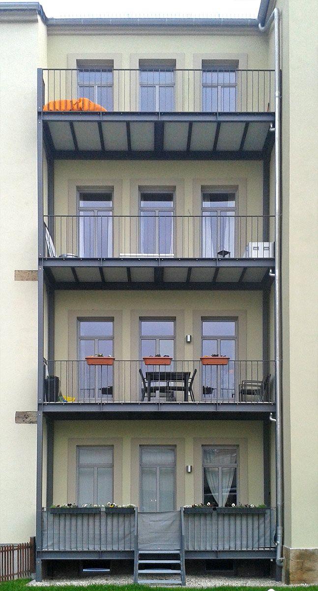 balkone aus stahl an einem altbau stahlbau pinterest altbauten stahl und balkon. Black Bedroom Furniture Sets. Home Design Ideas