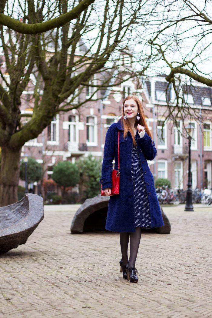 Polka dot dress outfit fashion blogger red hair amsterdam long blue coat