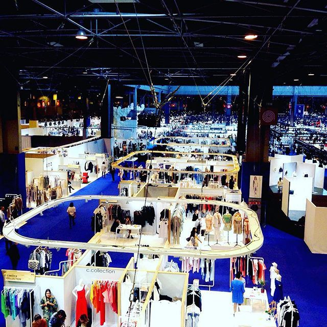 Paris Expo Porte de Versailles #fashion #show  #fashionshow #paris #work #style #kmo #pretty #trixigronau #myhomecouture #design #trend #comingsoon #tradeshow #likeforlike #followme #overview #forecast #collection #acuckoomoment #myfirstdiamand